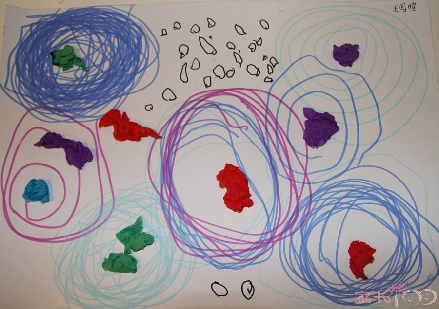 这些都是乐乐在幼儿园美术班完成的作品,很多都是乱涂乱画.