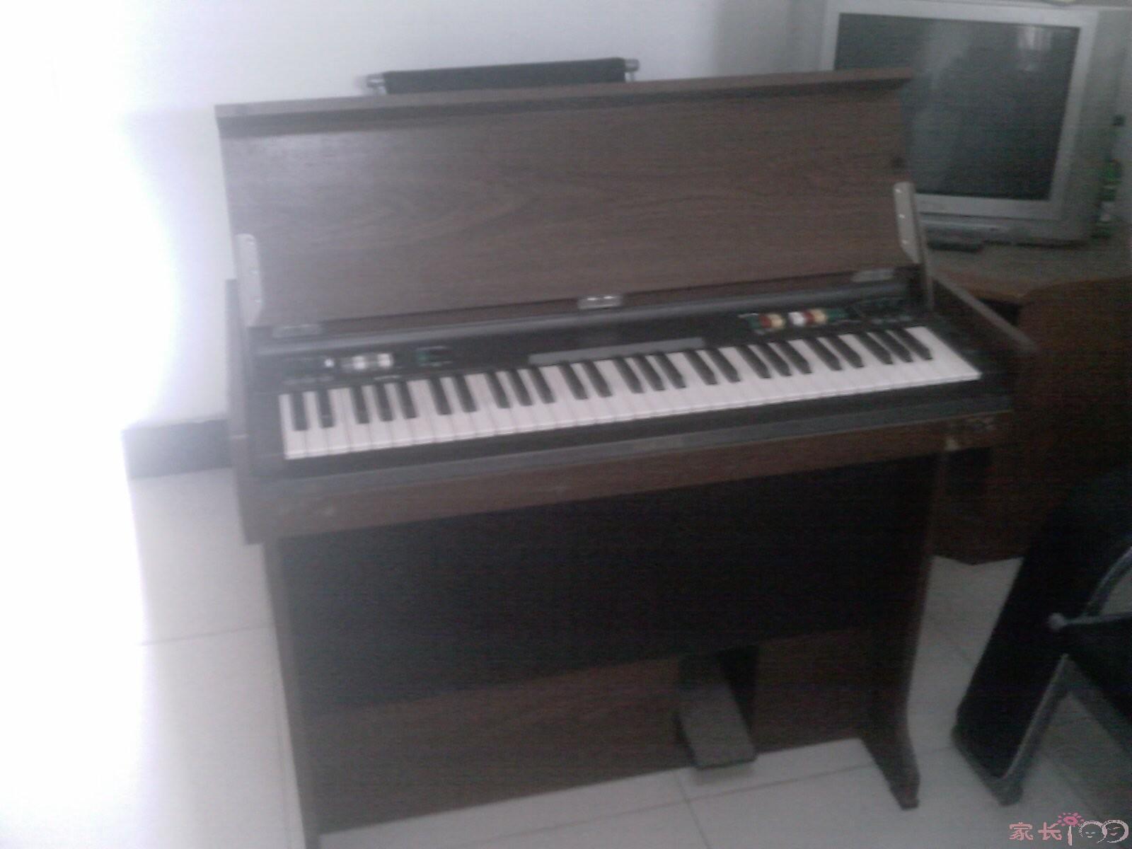 转让雅马哈立式电子琴650元(一口价)