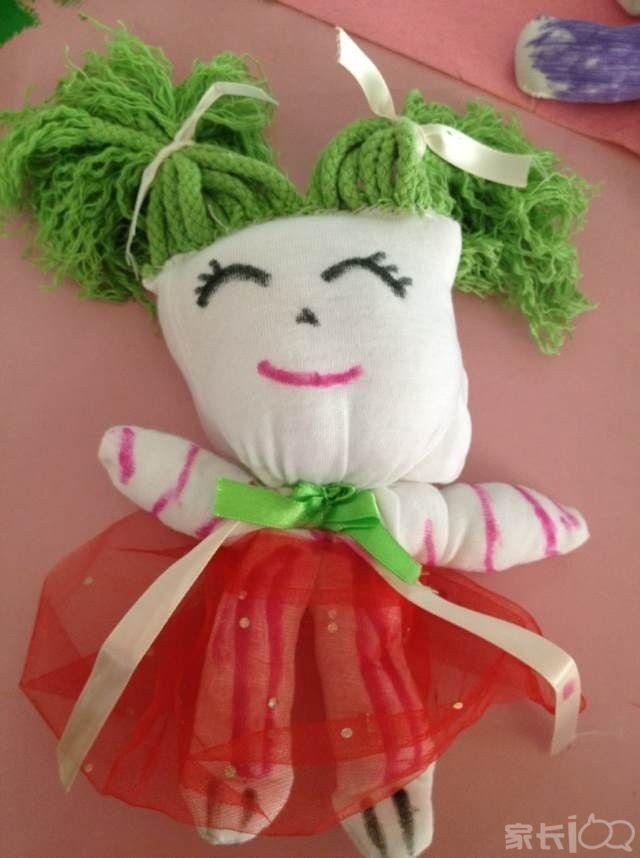 庆六一~~~~~可爱手套娃娃制作和百米亲子绘画活动