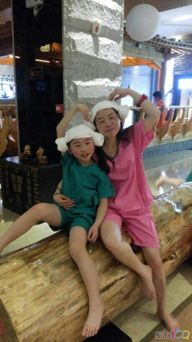 可爱羊角帽,亲亲母子情