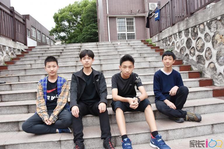 从左到右依次是:熊泽宇、张锦瑞、黄东方、王子杰_副本.jpg