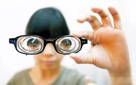 福利丨免费赠送2000份防蓝光眼镜!
