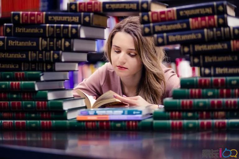 免費!雅思考官培訓師在線提分課程,聽說讀寫全方位提分技巧